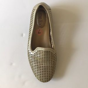 me too Shoes - Me too gold flat size 7